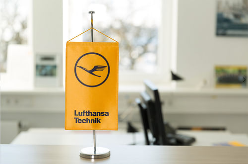 PROJECT FOR RED HAT CUSTOMER REFERENCE  LUFTHANSA - Fotografía