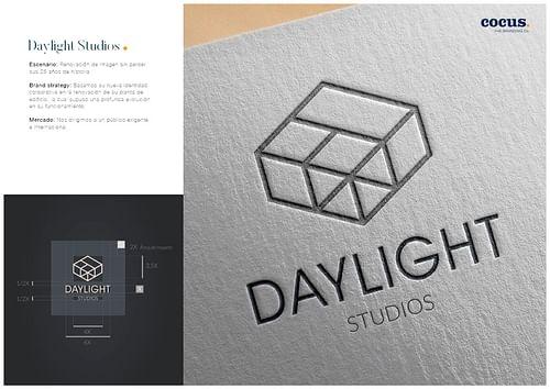 Renovación de marca, desarrollo web y dossier - Diseño Gráfico