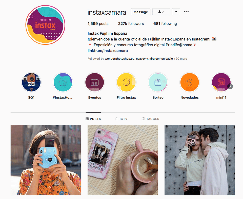 Social Strategist para Instax Camara de Fujifilm